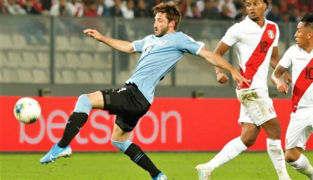 Matías Viña - Uruguay vs. Perú. Foto: @Uruguay