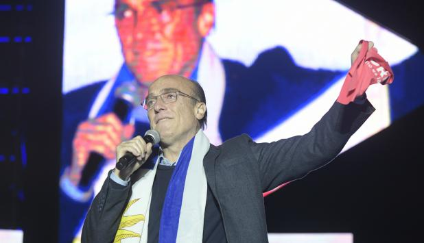 Daniel Martínez en acto de cierre de campaña. Foto: Marcelo Bonjour