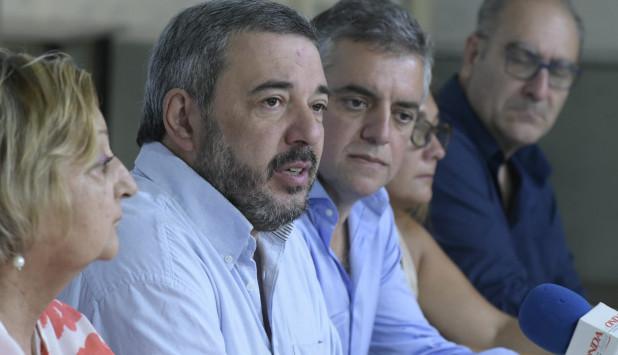 Mario Bergara junto con Álvaro Villar. Foto: Darwin Borrelli.