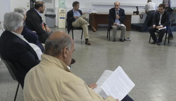 Pablo Mieres en reunión con el Consejo Superior Tripartito este miércoles. Foto: Gerardo Pérez.
