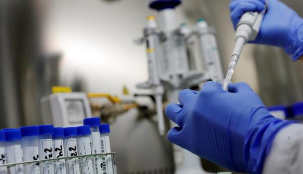 España comienza ensayos de la vacuna contra el COVID-19. Foto: EFE