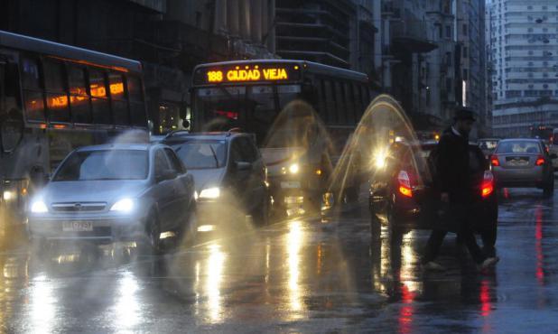 Fuertes lluvias se registraron en todo el país este miércoles. Foto: M. Bonjour