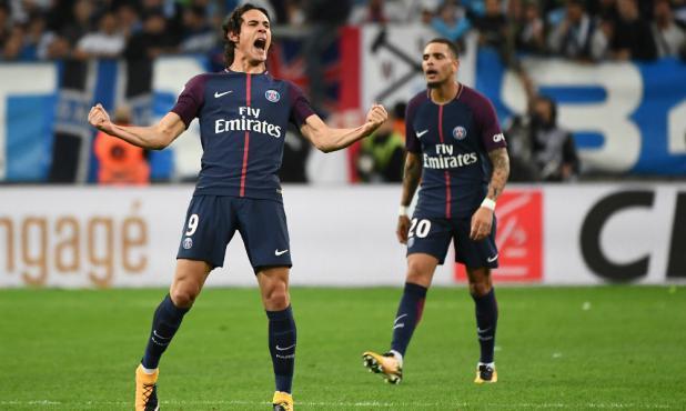 Edinson Cavani festejando el gol de PSG. Foto: AFP