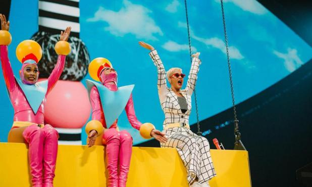 Katy Perry en medio de su gira mundial
