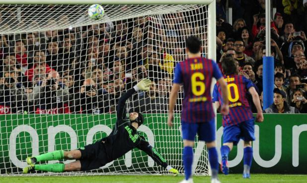 La revancha en 2012, Messi erró un penal ante Cech