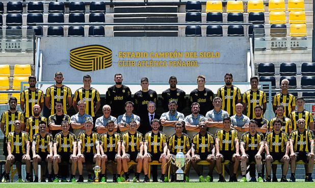 Foto oficial de Peñarol campeón 2017. Foto: Prensa Peñarol