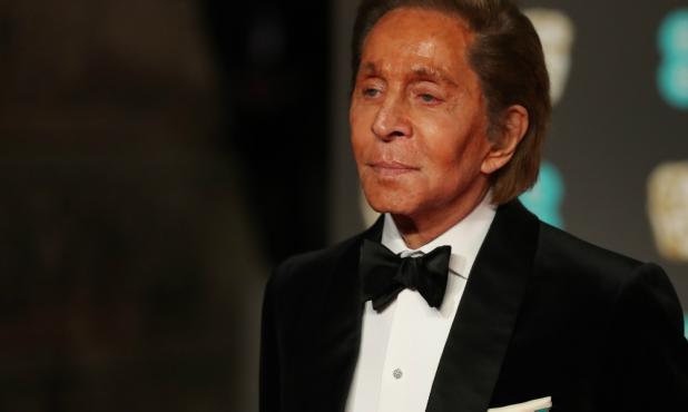 El diseñador Valentino no se perdió la entrega de los Bafta