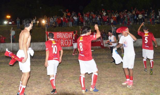 Festejo de los duraznenses en Nueva Palmira. Foto: Víctor D. Rodríguez