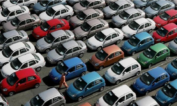 Autos. Foto: MotorSports.