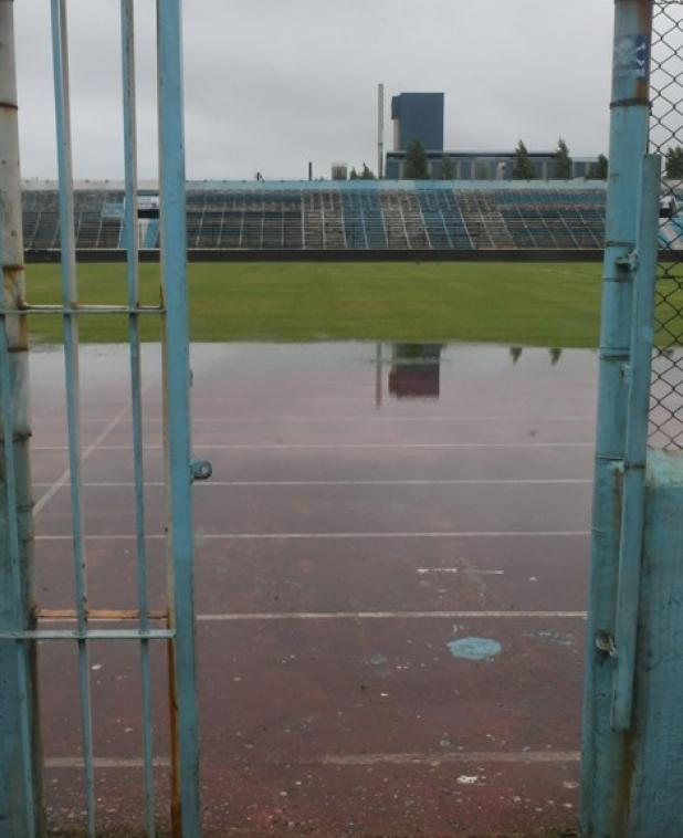 Así quedó el Estadio Luis Tróccoli tras las lluvias del domingo. Foto: Francisco Flores.