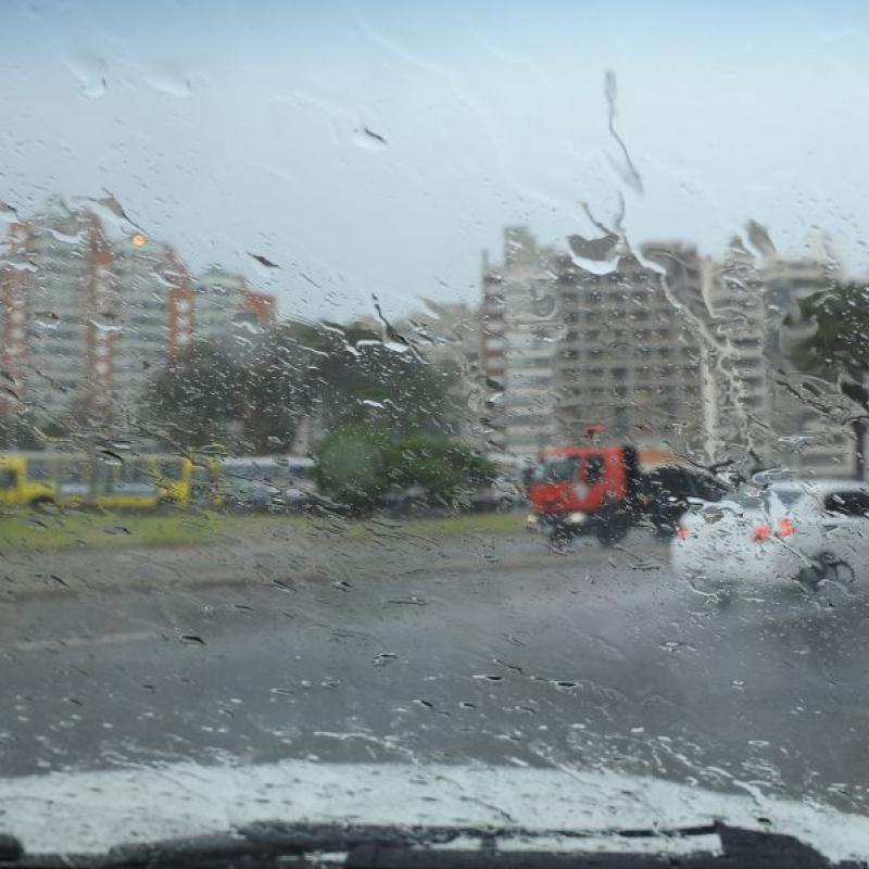 Lluvias fuertes y tormentas en casi todo Uruguay