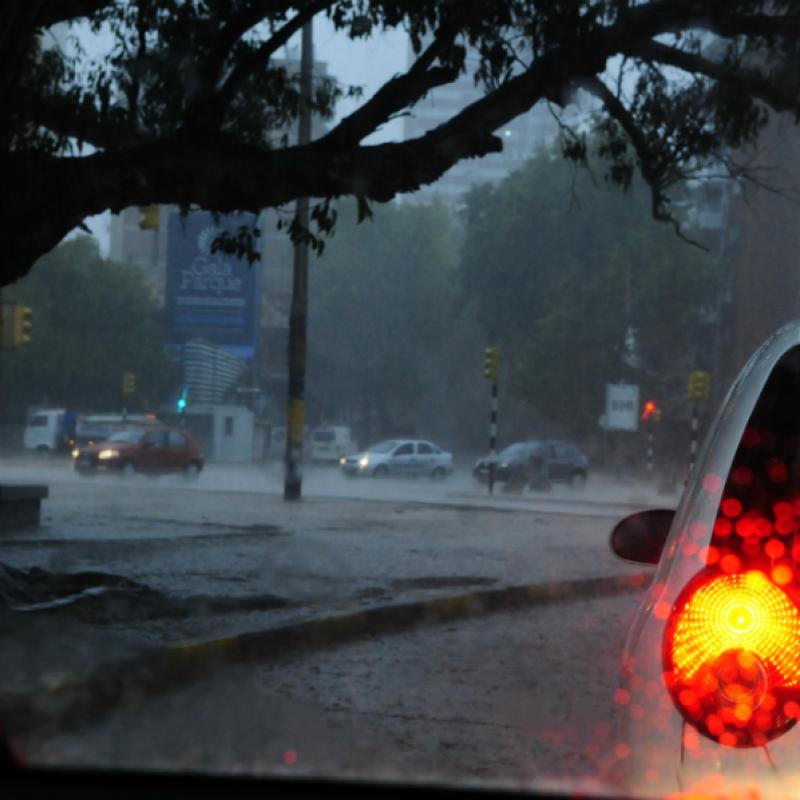 Dieciséis departamentos bajo alerta amarilla por tormentas intensas — Uruguay