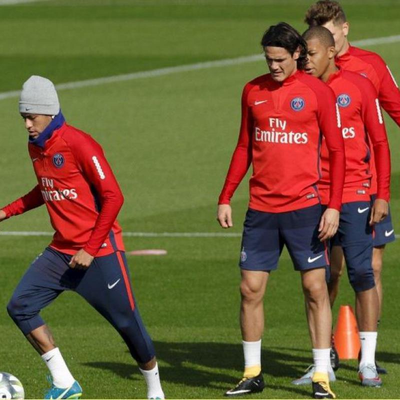 El golazo de Cavani que adelanta al PSG sobre el Bayern Munich