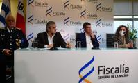 El ministro del Interior, Jorge Larrañaga, el fiscal de Corte, Jorge Díaz, y la fiscal de Homicidios, Mirta Morales, brindaron una conferencia de prensa. Foto: Francisco Flores.